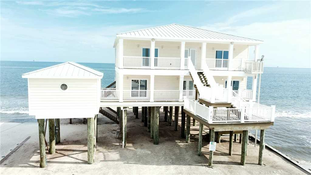 6 Bedroom Gulf-front Rental with 2 Kitchens