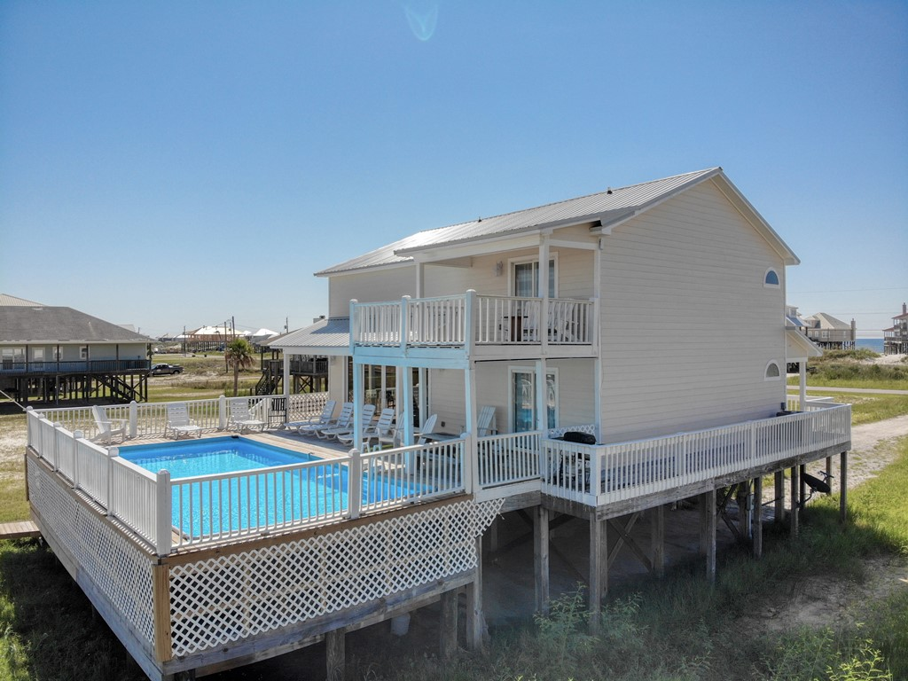 Easy Breezy Bay House Vacation Rental with Private Pool
