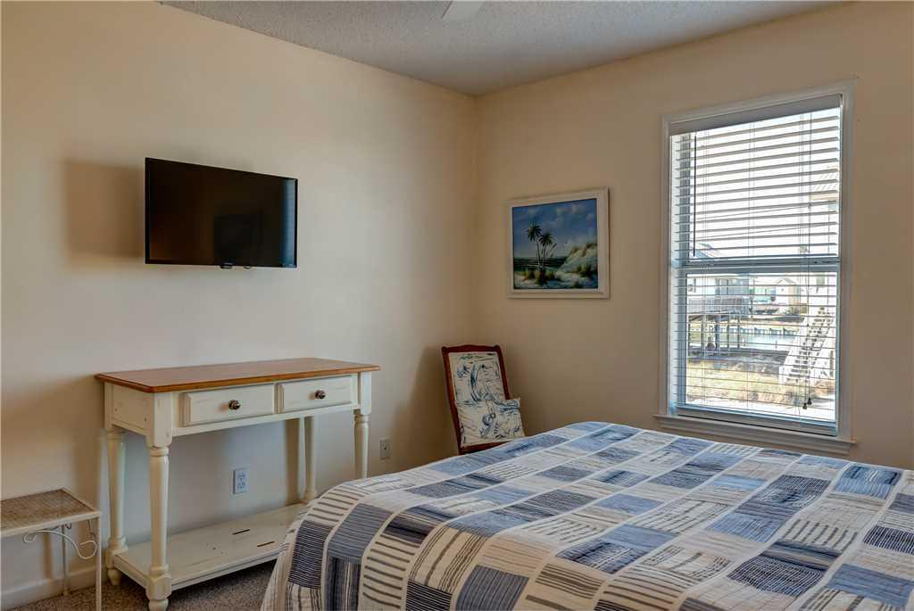 124 NE Queen Bedroom Dauphin Island Beach Rentals