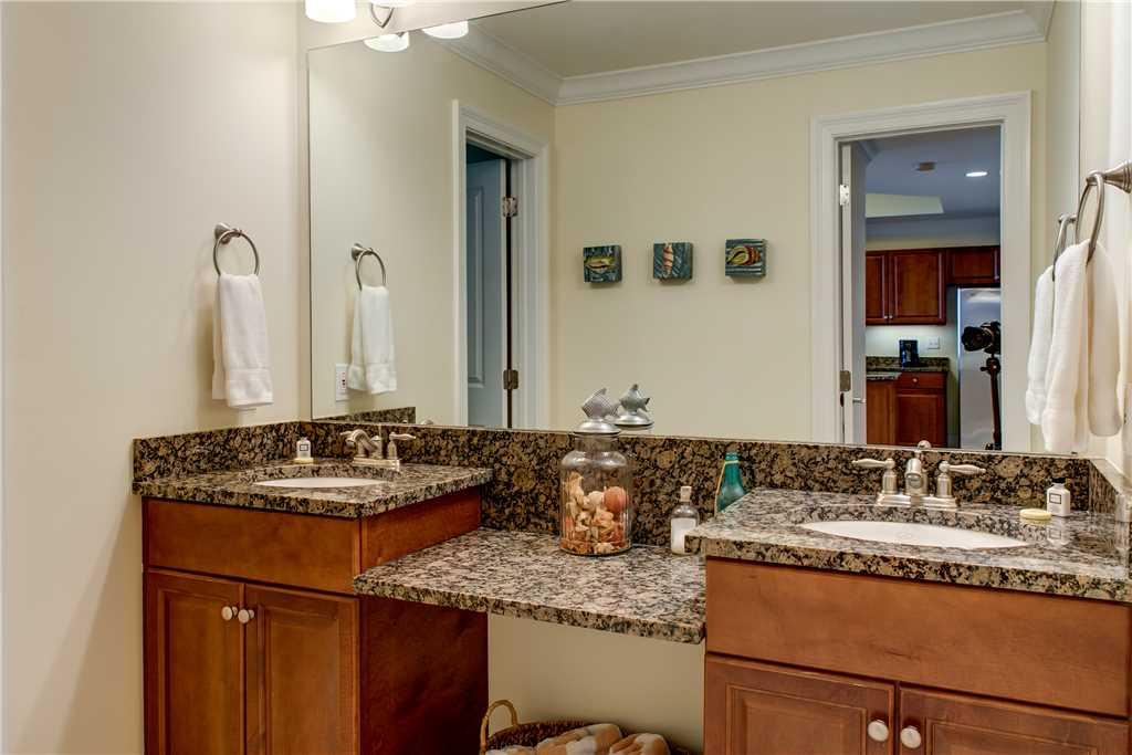 50 Common Bath Twin Vanity