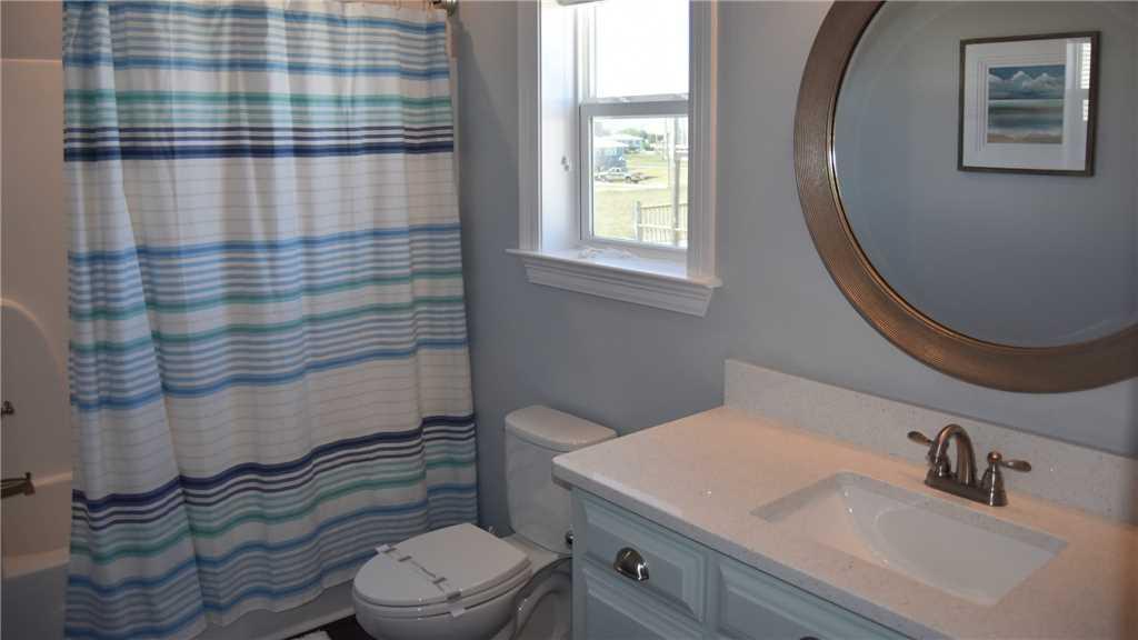 Bedroom #4  ensuite Bath