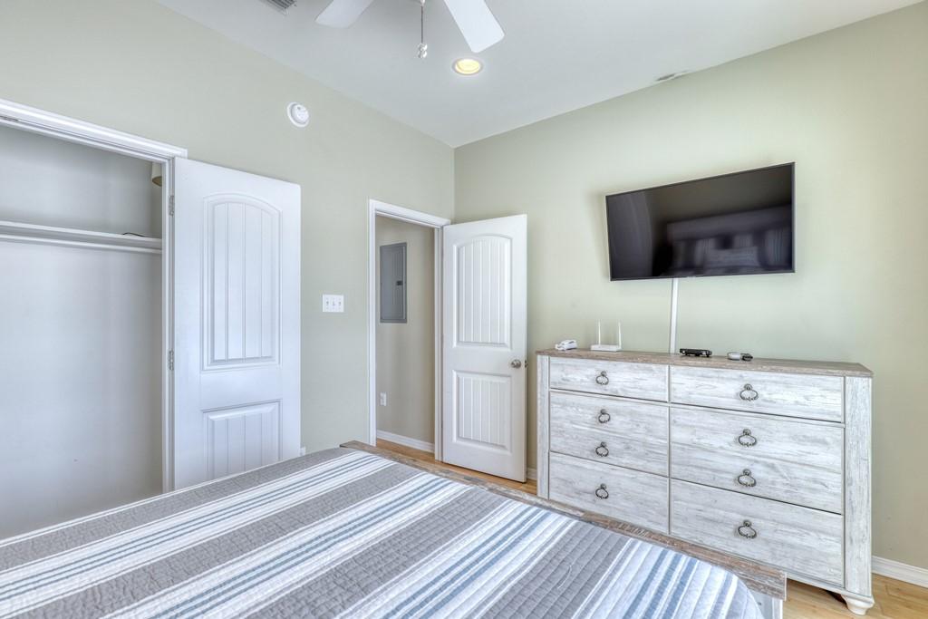 2nd Bedroom Storage