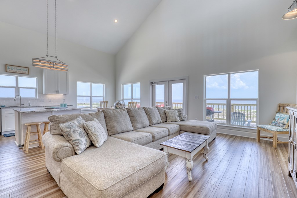 Beautiful open  floor plan with bay view
