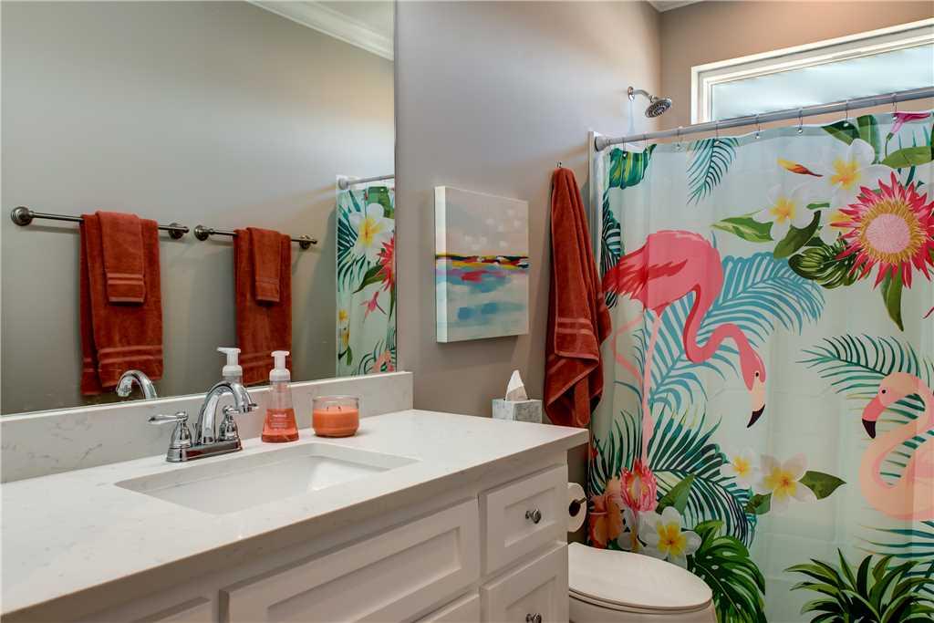 33 SW Bathroom