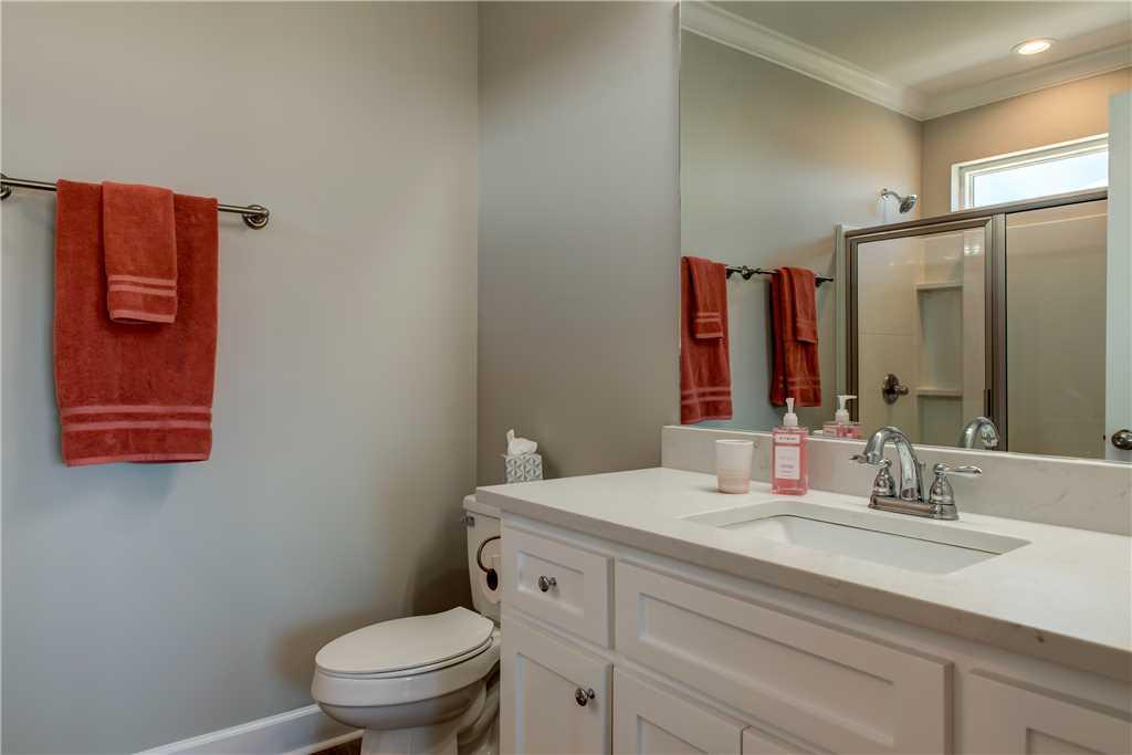 42 Common Space Bathroom