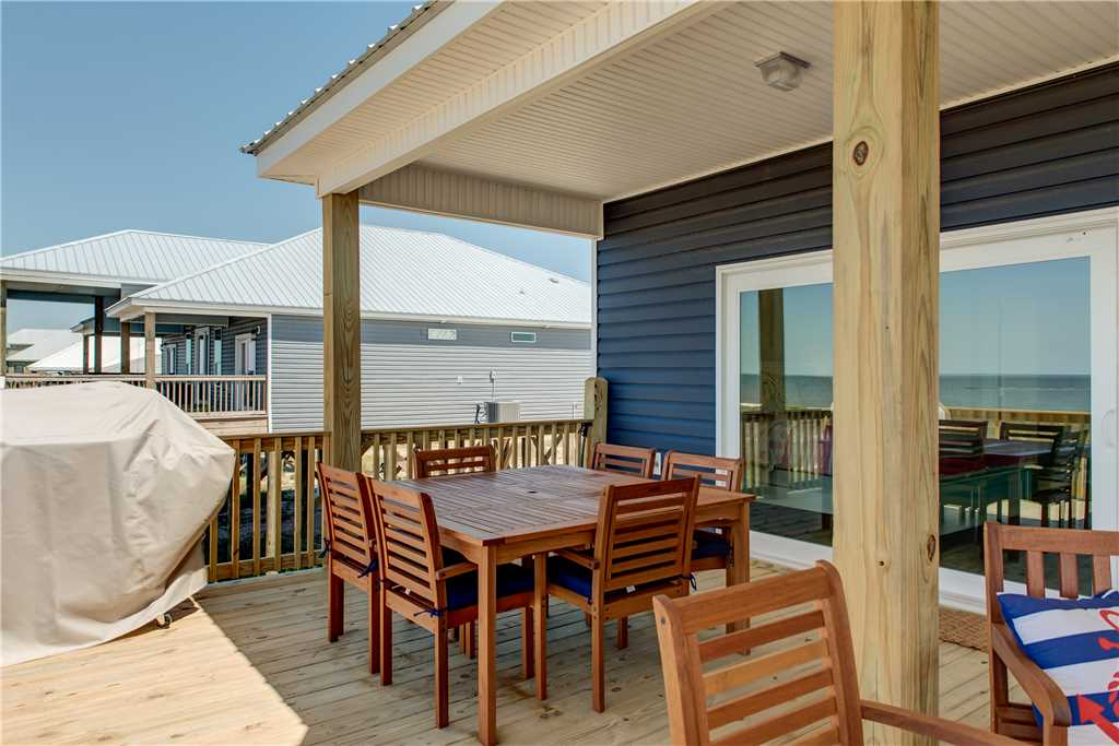 54 Dining outdoors on Dauphin Island