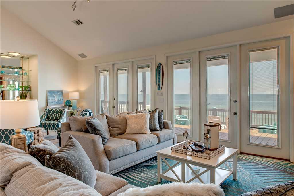 20 Dauphin Charm Living Room
