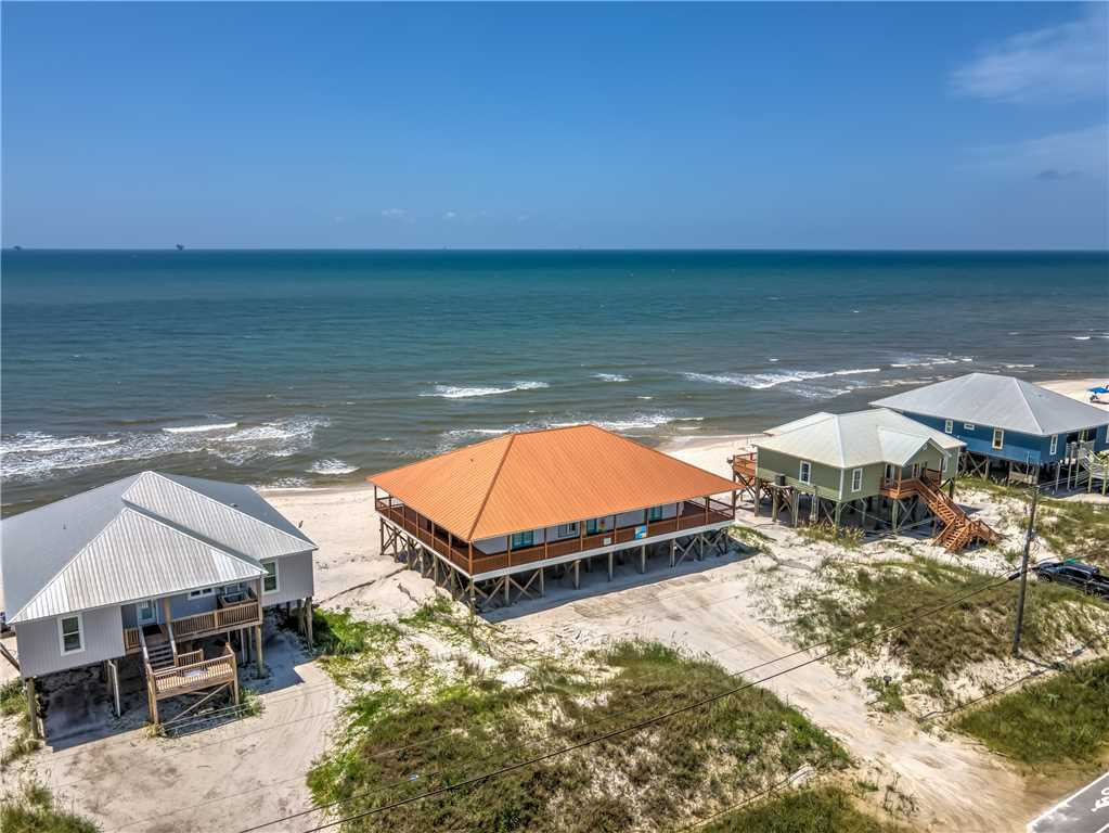 Dauphin Charm Pet Friendly Vacation Home