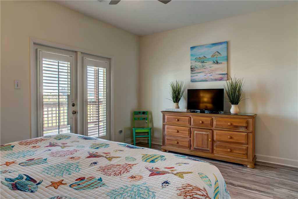 41 NW King Bedroom Dauphin Charm
