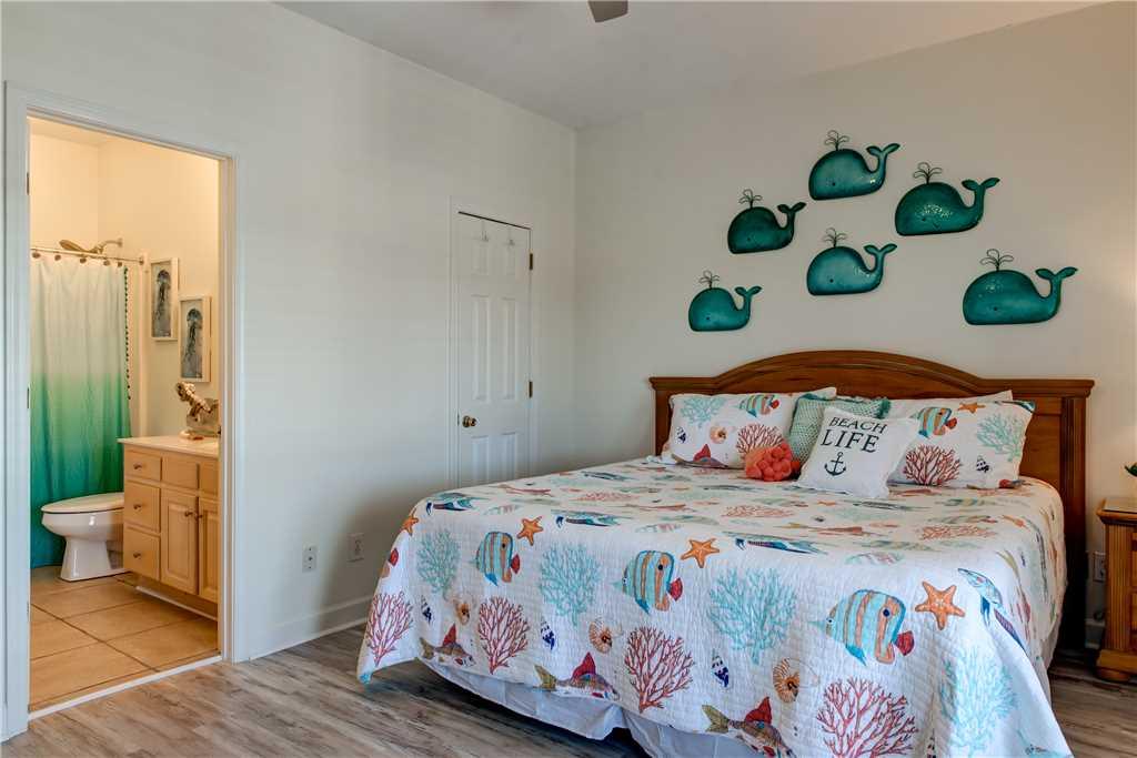 42 NW King Bedroom Dauphin Charm