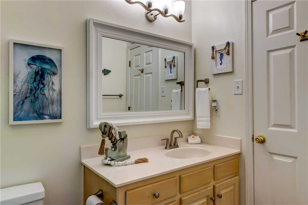 49 NW Bathroom Common and Ensuite