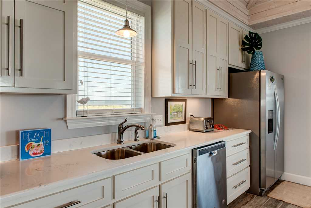 211 Stone Counters The Blue Crab Dauphin Island Beach Rental