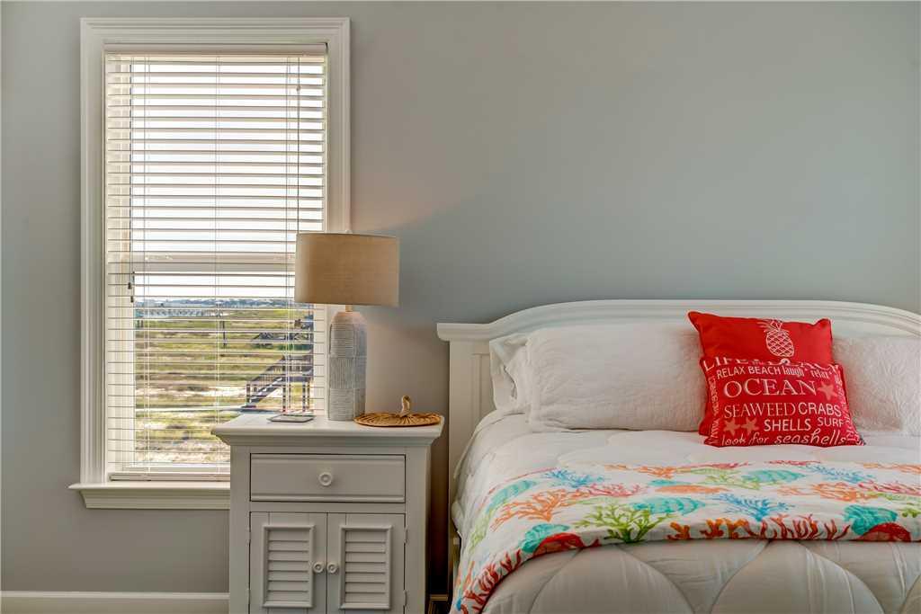 301 SE Master Bedroom