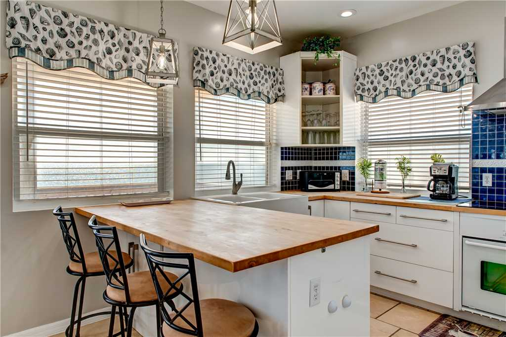 160 Dauphin Island Beach House Kitchen