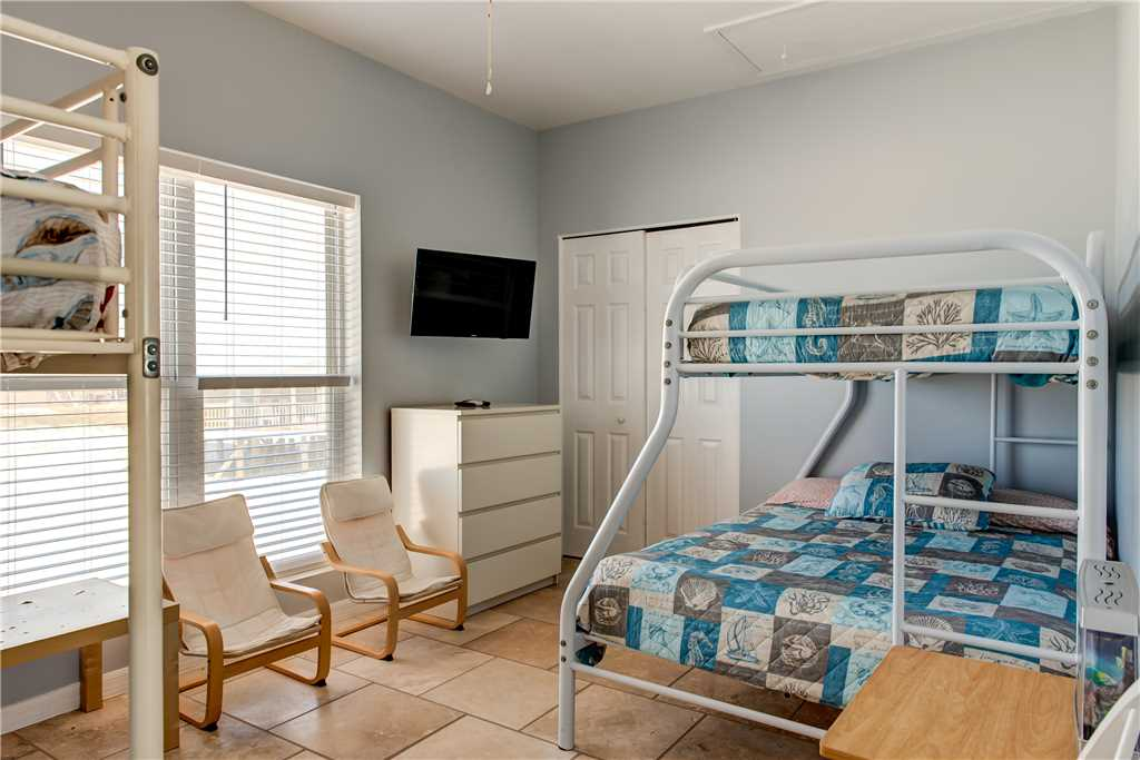 255 Bunk Room with Seating Marisol
