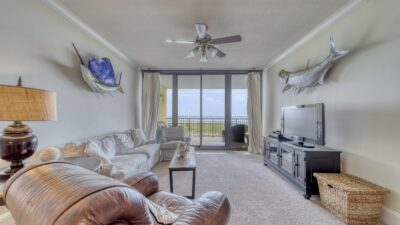 02 Holiday Isle .jpg