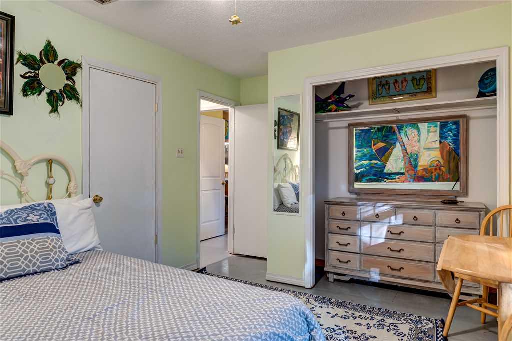 042 Beach Boho Front Bedroom