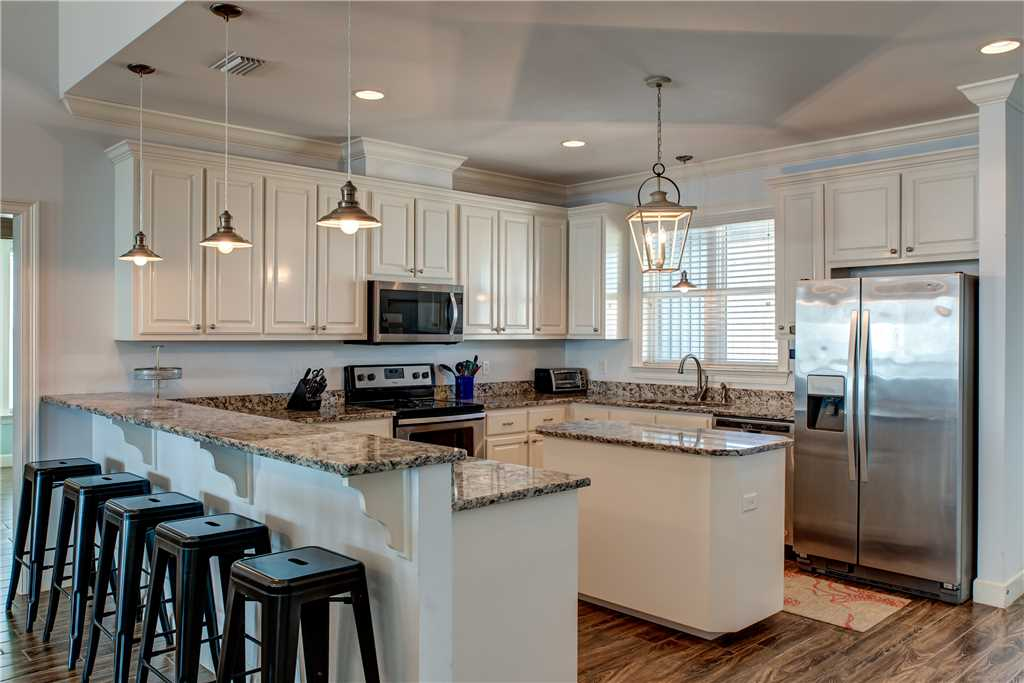 050 Kitchen for Entertaining at High Tide Dauphin Island