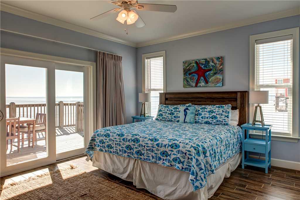 100 SW Master Bedroom on Gulf