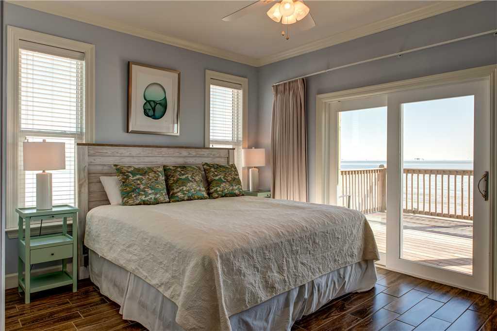120 SE Master Bedroom Gulfside