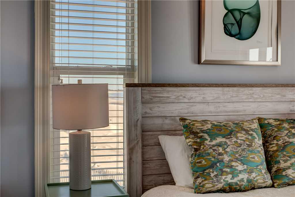 124 SE Master Bedroom