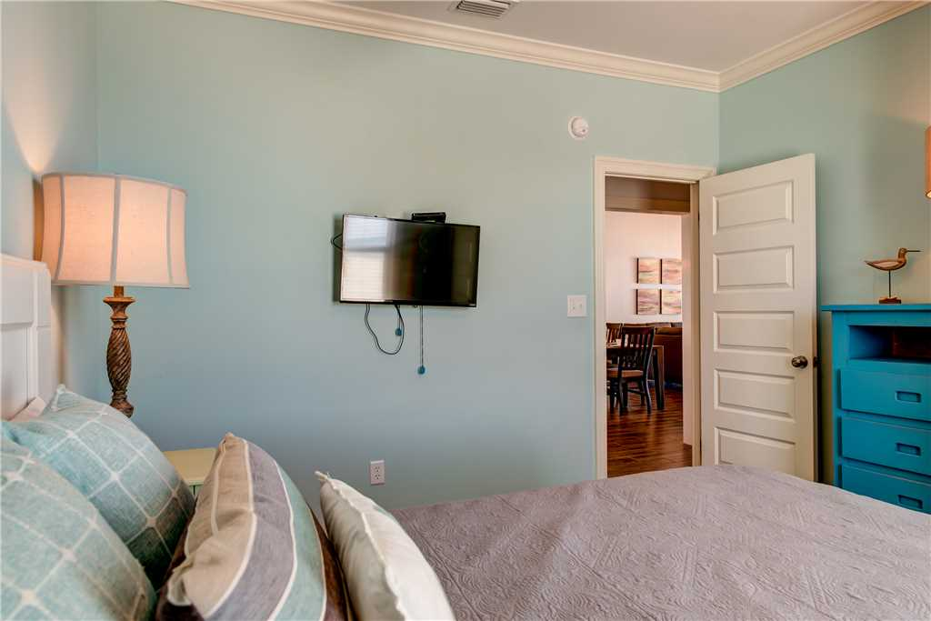 204 W Bedroom HIgh Tide Dauphin Island