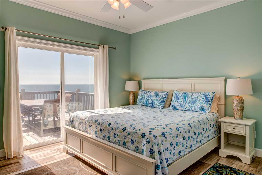 200 SW King Bedroom On The Beach