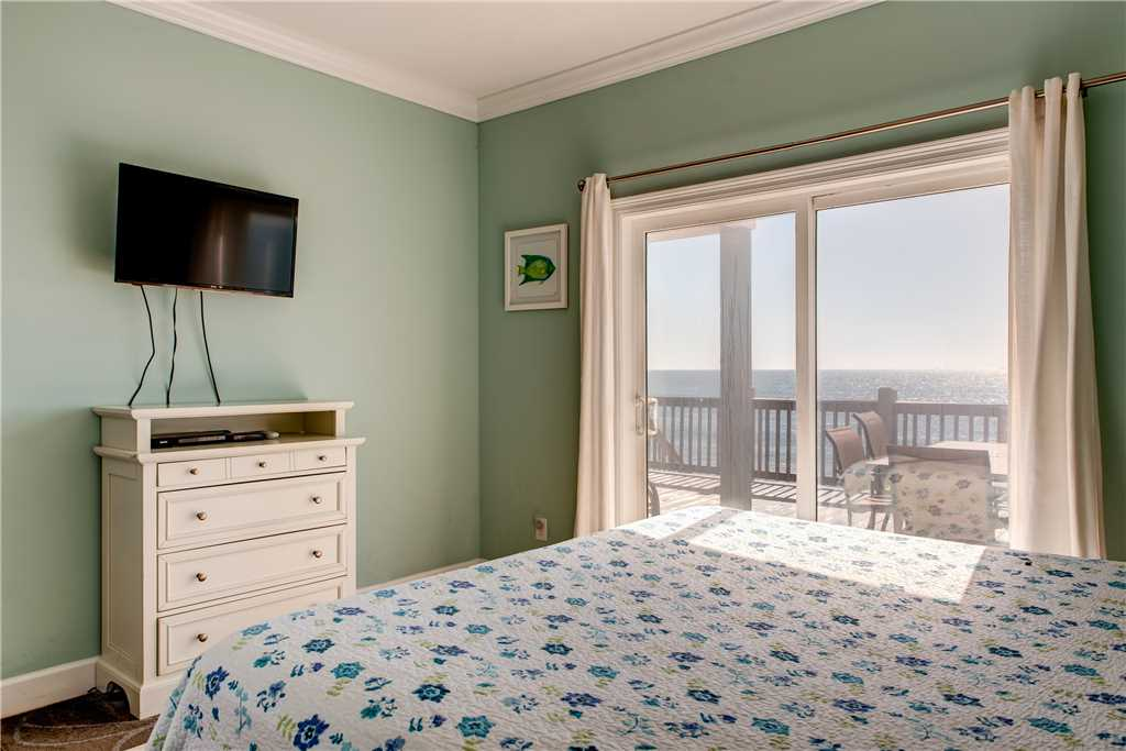 202 SW King Bedroom Dauphin Island Vacation Home