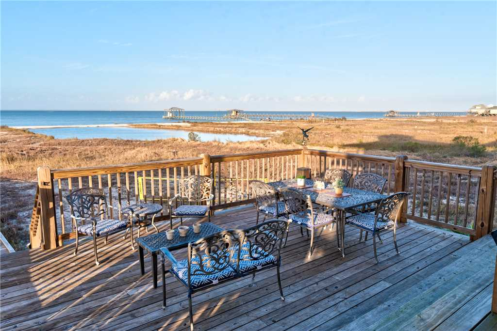 102 Bayside Dining Dauphin Island